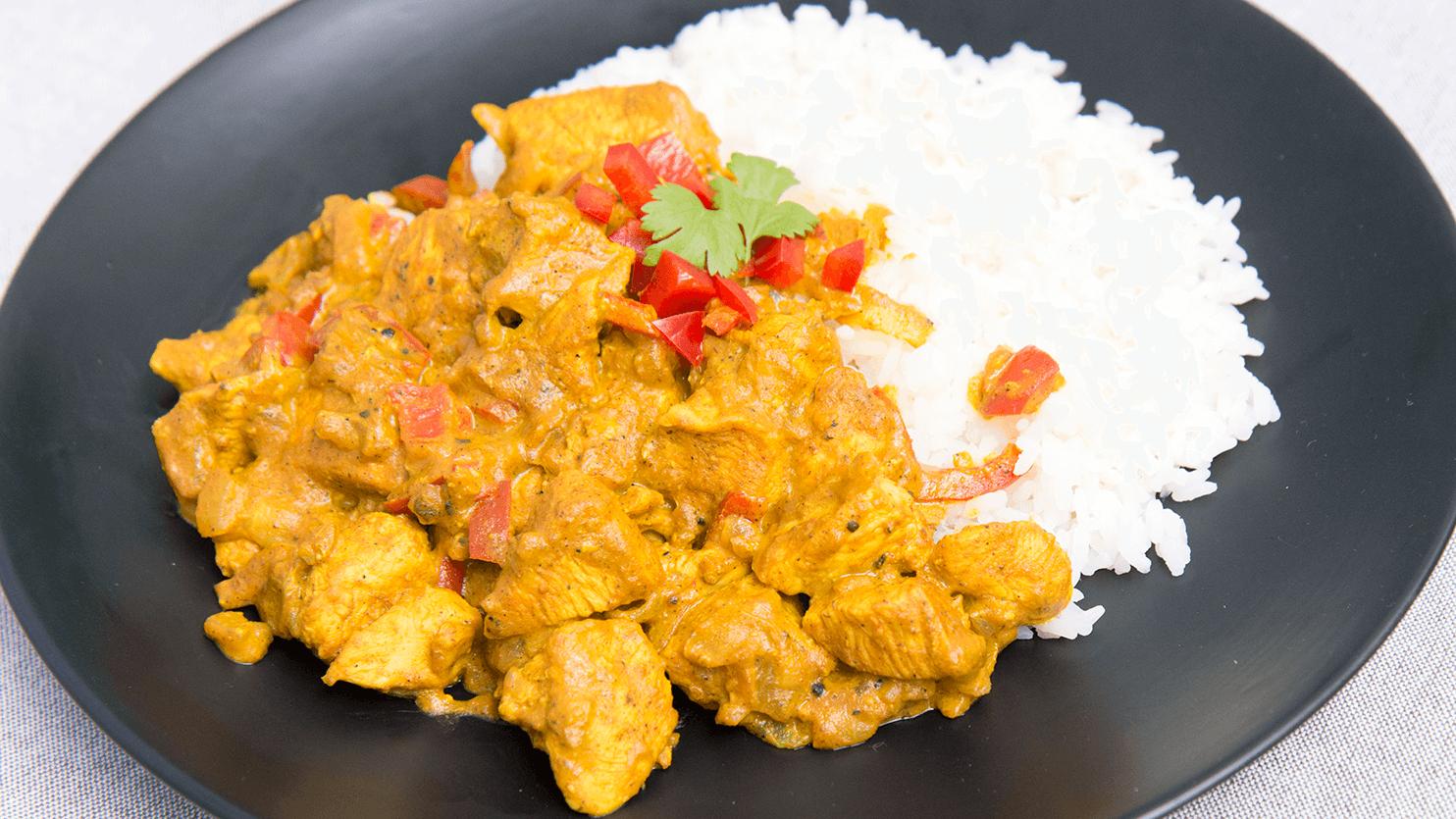 Kurczak w kremowym sosie curry