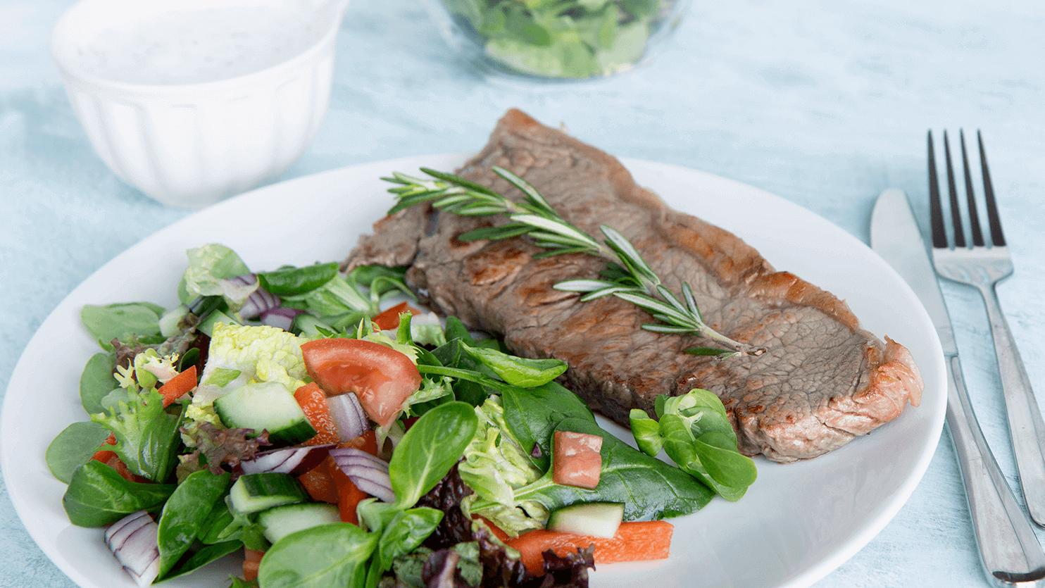 Stek z antrykotu z sałatką