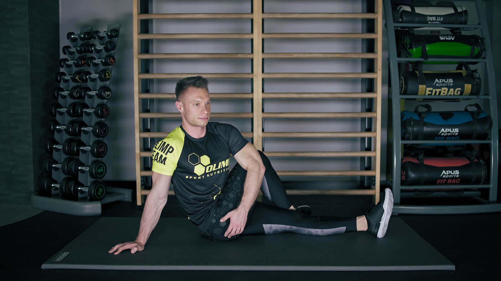 Rozciąganie mięśni pośladkowych