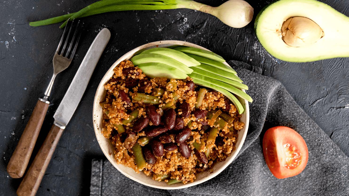 Komosa ryżowa z fasolą