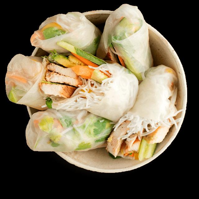 spring rollsy z kurczakiem, awokado i mango