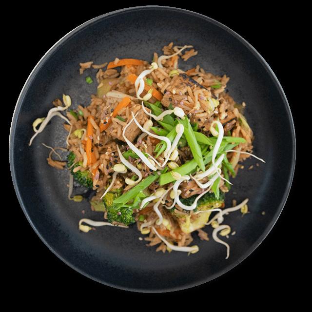 smażony ryż z brokułami i tofu