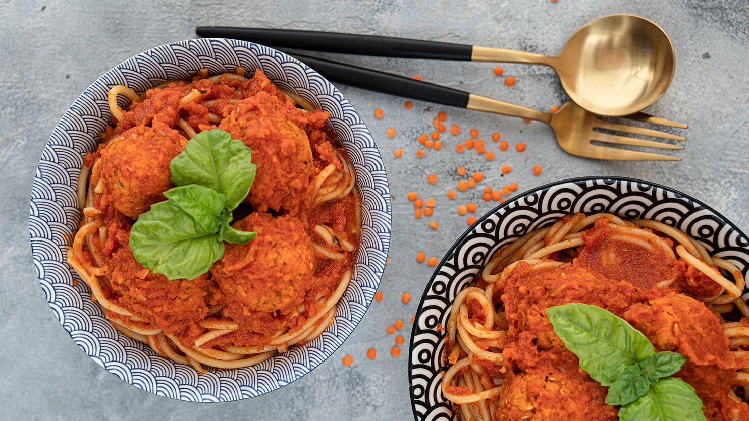 Spaghetti z klopsikami z soczewicy