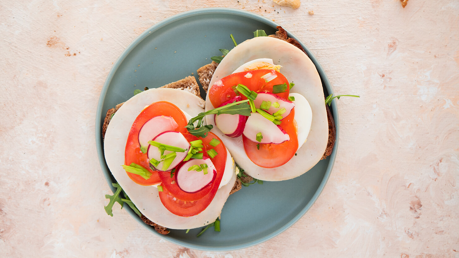 Kanapka z jajkiem i szynką