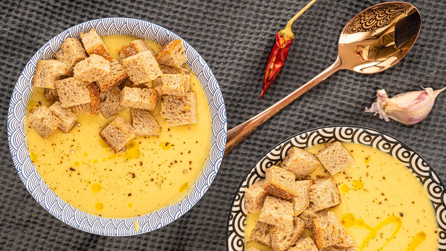 Zupa krem z ciecierzycy z grzankami