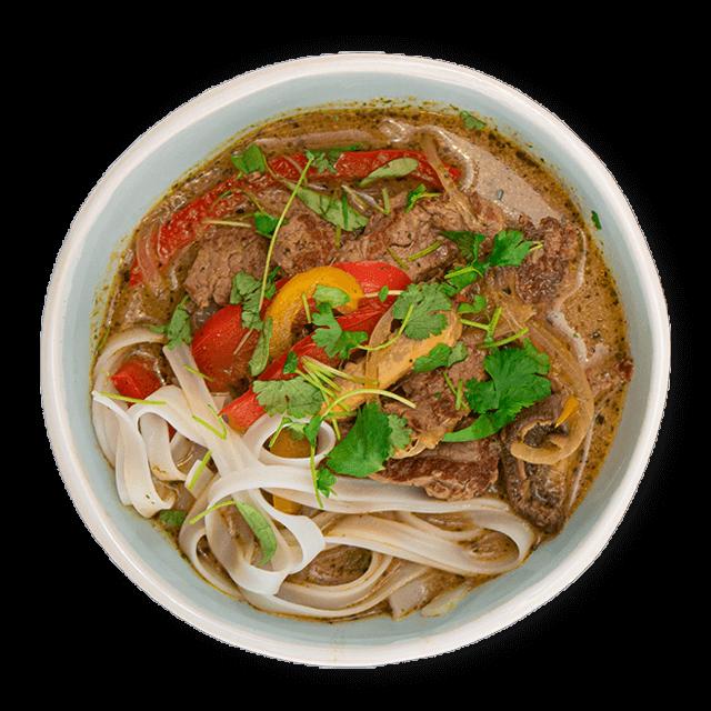 azjatycka zupa z makaronem ryżowym