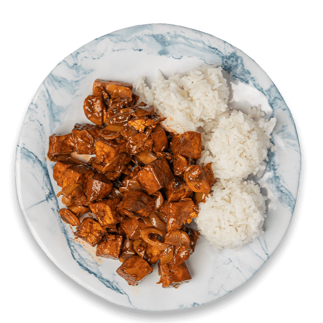 tofu po seczuańsku z ryżem jaśminowym i pomidorami