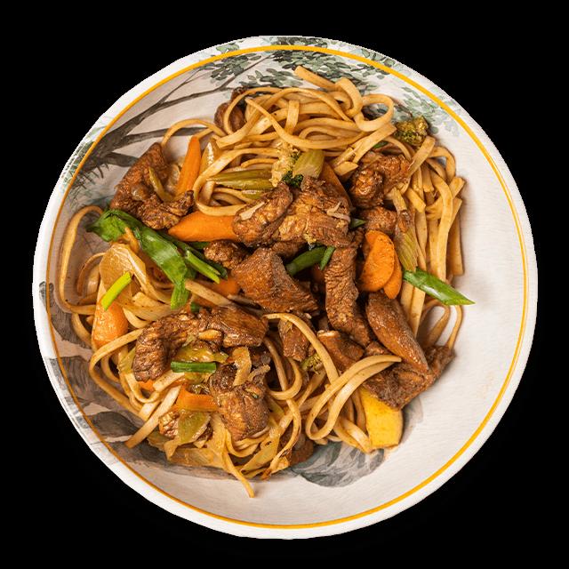 makaron noodle po chińsku z indykiem i warzywami