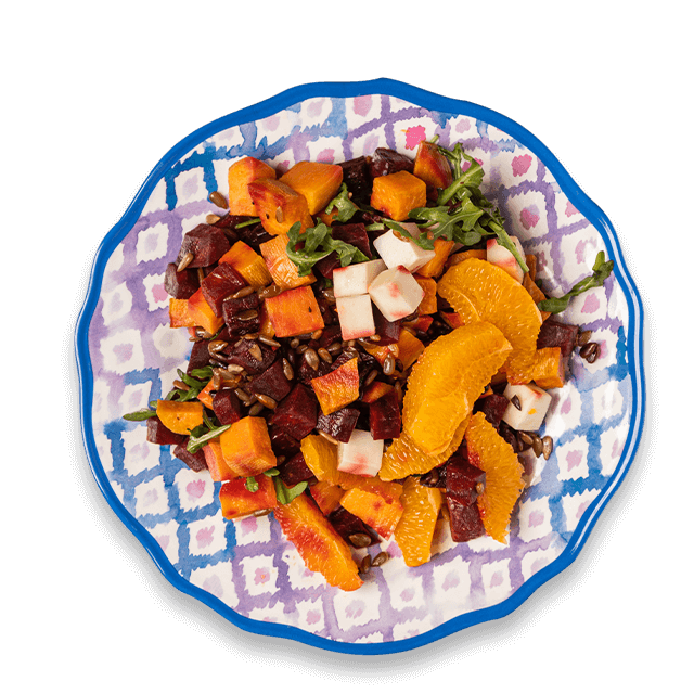 pieczone buraki z batatami, słonecznikiem, pomarańczą i serem kozim