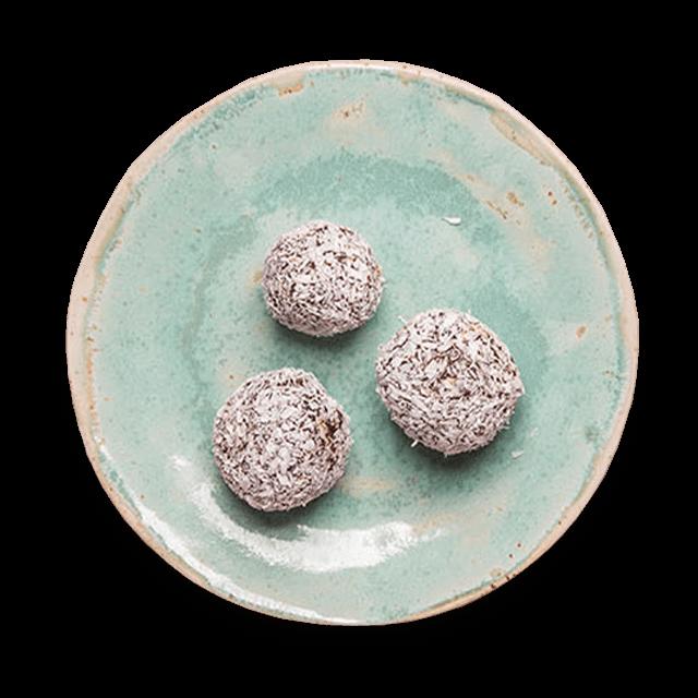 daktylowo-kakaowe kulki mocy z orzechami