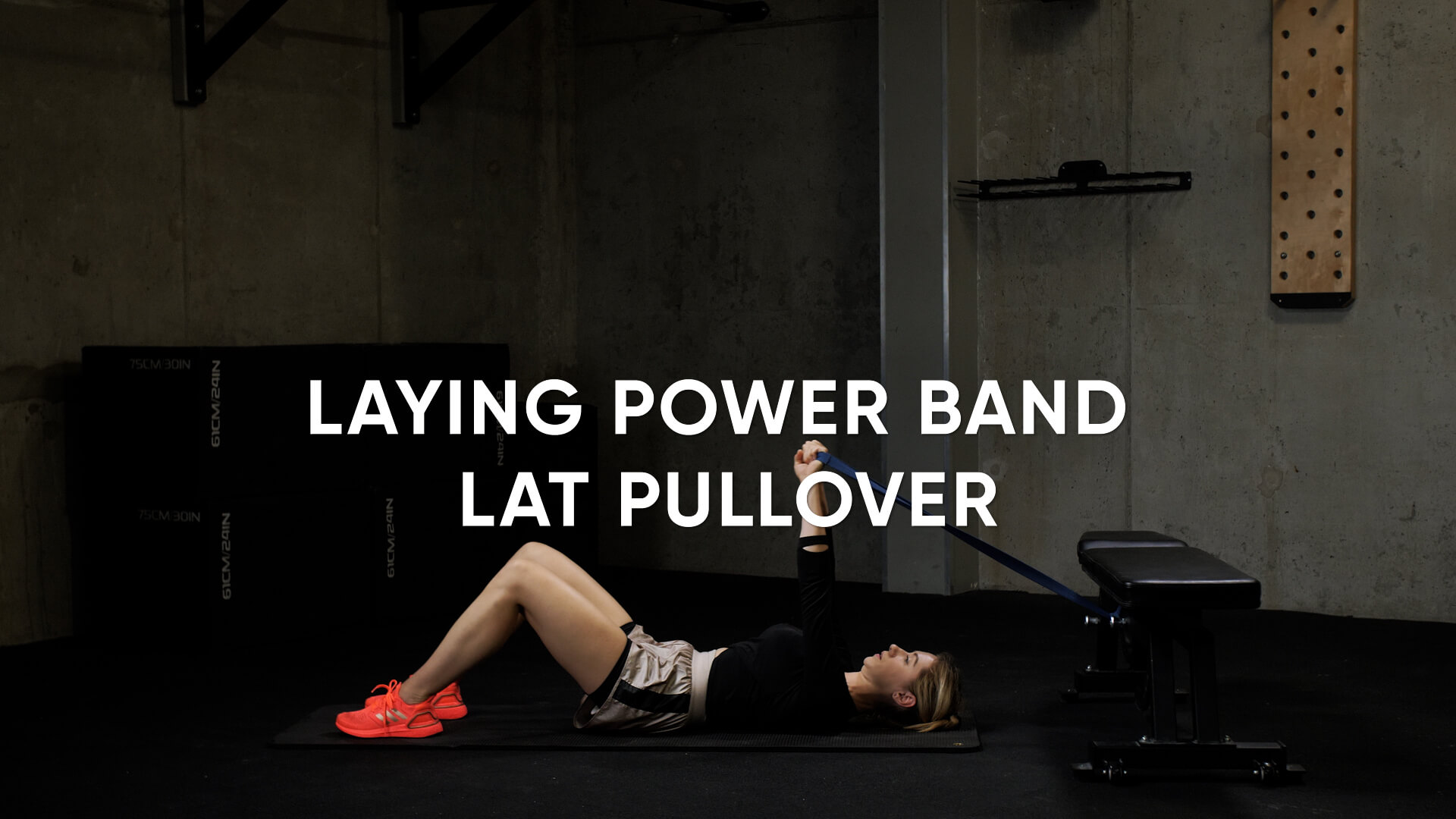 Laying Power Band Lat Pullover