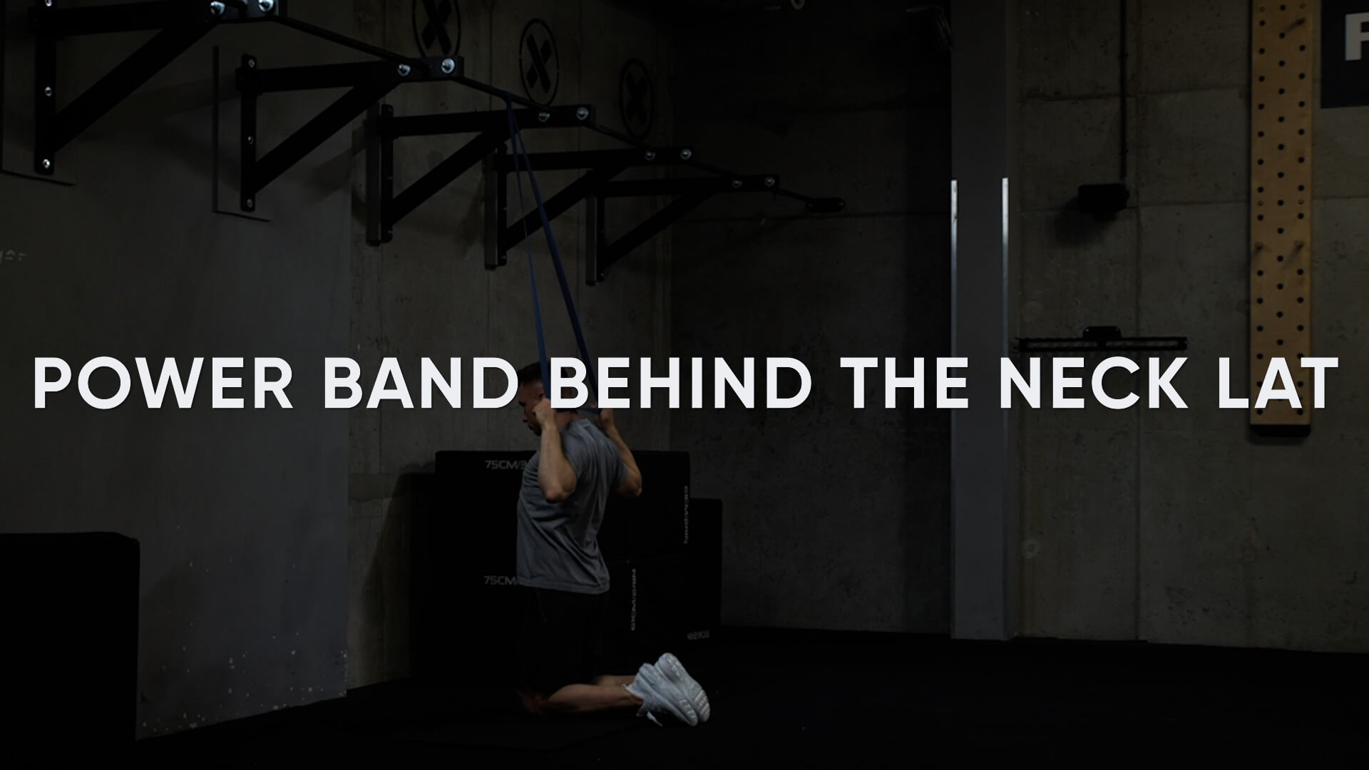 Power Band Behind the Neck Lat Pulldown